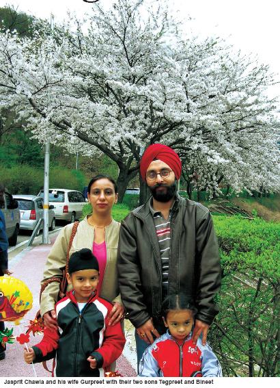 Captain Chawla (right), Mrs Gurpreet Kaur Chawla, their son Tegpreet (7) and daughter Bineet (4).